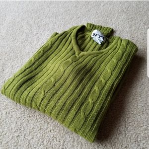 Sweaters - V-neck Fitted sweater
